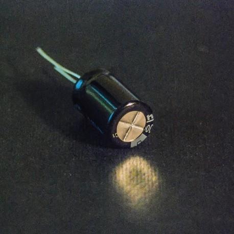 خازن الکترولیت 100 میکروفاراد 25 ولت